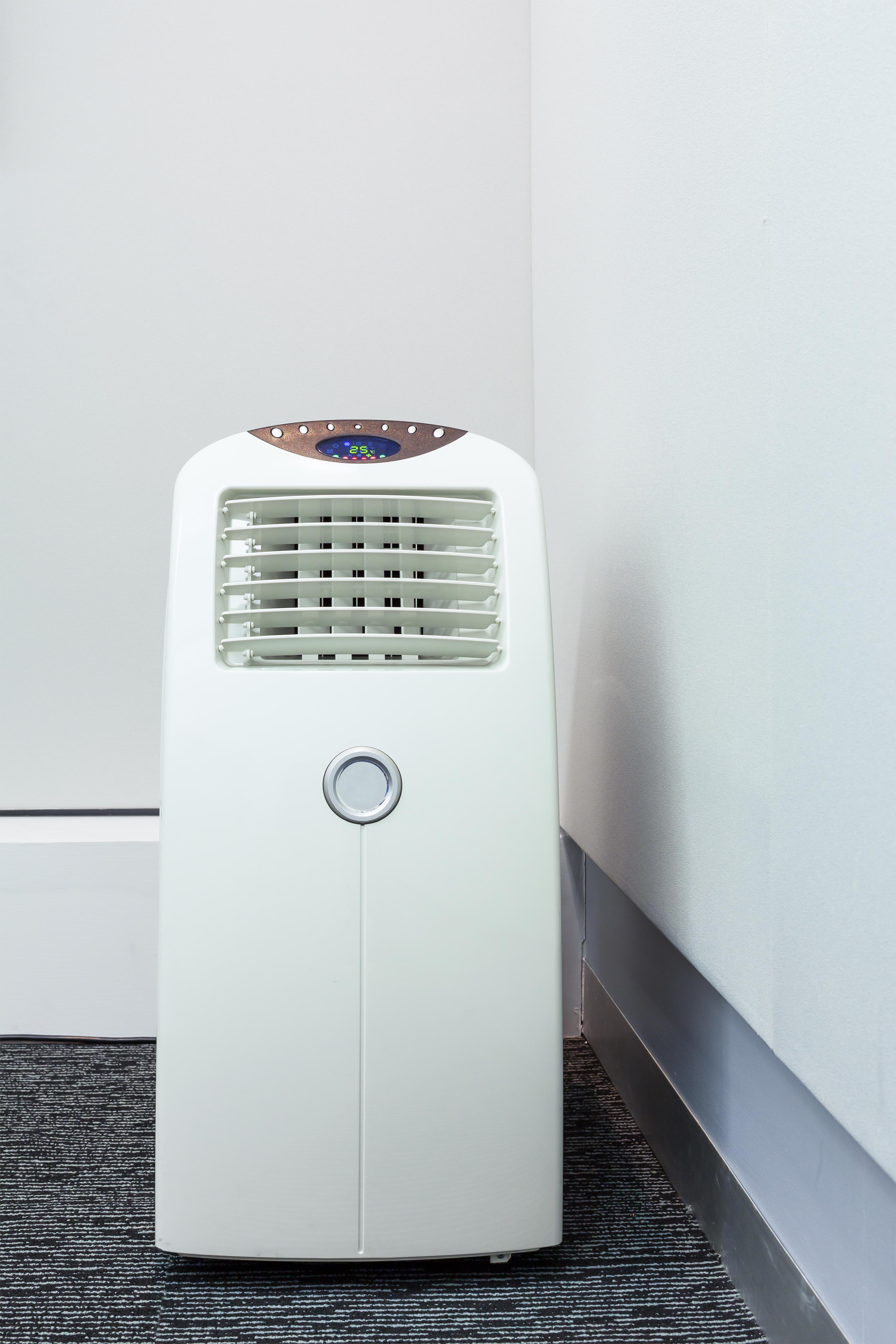 ventilateur climatisation mobile ou rafra chisseur d 39 air lequel choisir air maison. Black Bedroom Furniture Sets. Home Design Ideas